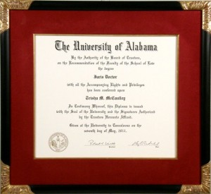Diploma with closed corner frame